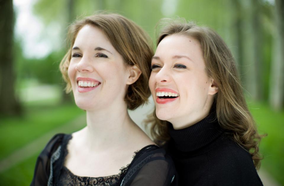 Kerstin Mörk und Mirella Hagen                          Foto: Gerard Collett